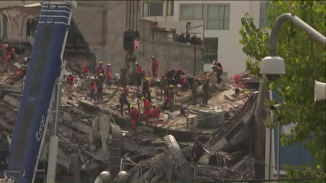 ktla damage caused by 71 earthquake in mexico city on the anniversary of a deadly 80 quake that struck central mexico in 1985 a 71 magnitude... - 1985 stock-videos und b-roll-filmmaterial