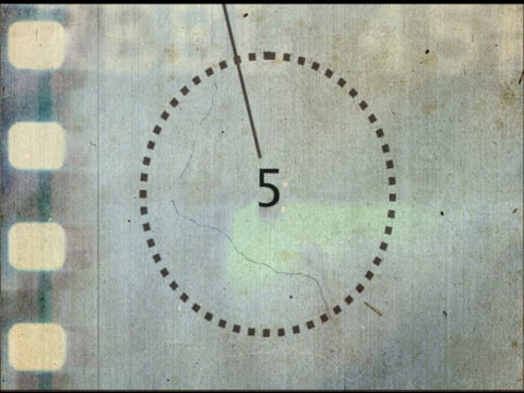 damaged grunge film intro / countdown - 底片 個影片檔及 b 捲影像