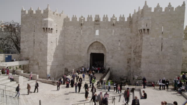 damascus gate, jerusalem. - cancello video stock e b–roll