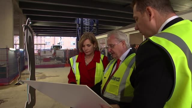 dame darcey bussell visits the new home of the royal academy of dance england london battersea general views of the construction site for the new... - darcey bussell bildbanksvideor och videomaterial från bakom kulisserna
