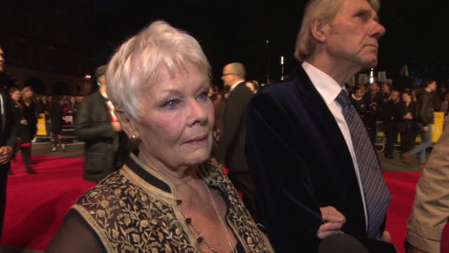 vidéos et rushes de interview dame judi dench on philomena lee the playing the role at 'philomena' red carpet at odeon leicester square on october 16 2013 in london... - judi dench