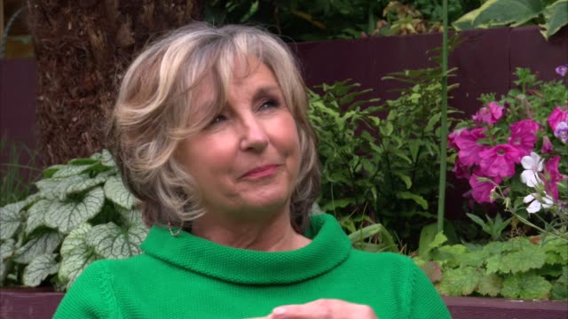 stockvideo's en b-roll-footage met ext lesley garrett interview sot - lesley garrett