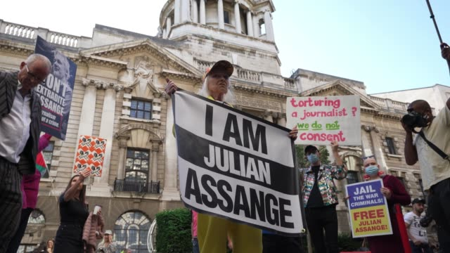GBR: Dame Vivienne Westwood To Suspend 10 Ft High Inside Giant Bird Cage in protest for Julian Assange