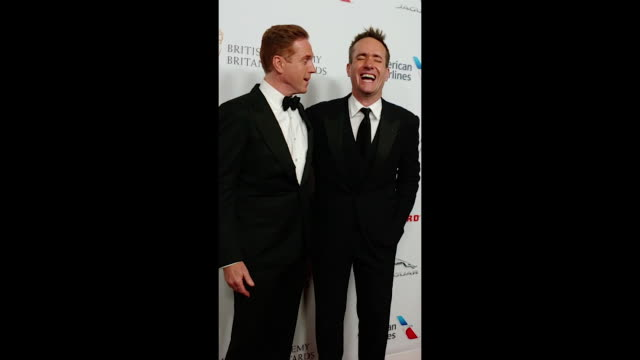 vídeos y material grabado en eventos de stock de damian lewis and matthew macfadyen attend the 2018 british academy britannia awards presented by jaguar land rover and american airlines at the... - the beverly hilton hotel