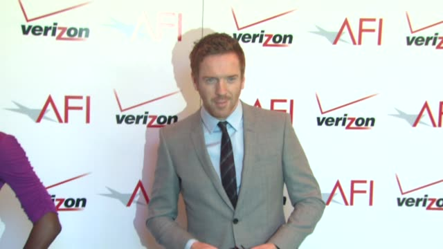 damian lewis at the 13th annual afi awards luncheon in beverly hills, ca, on 1/11/13. - 俳優 ダミアン・ルイス点の映像素材/bロール