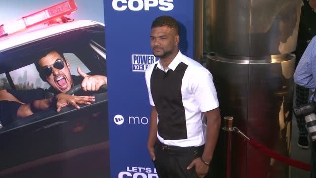 damien wayans at let's be cops los angeles premiere at arclight cinemas cinerama dome on august 07 2014 in hollywood california - cinerama dome hollywood stock videos & royalty-free footage