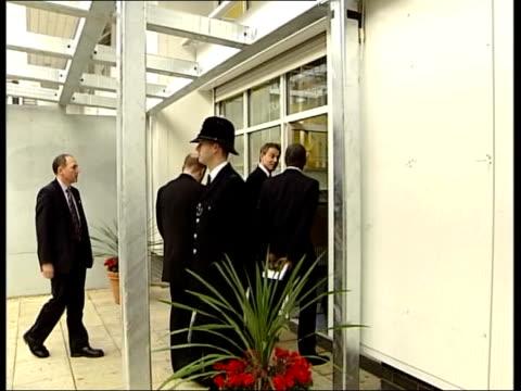 vídeos de stock e filmes b-roll de anniversary memorial service itn england london peckham tony blair wife cherie blair pose with richard and gloria taylor outside sports stadium... - peckham