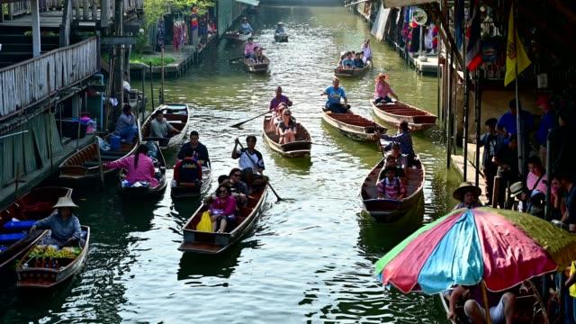 damnoen saduak floating market - floating market stock videos & royalty-free footage