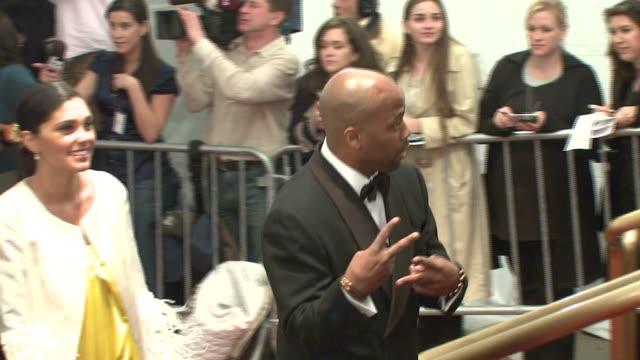 vidéos et rushes de damon dash at the metropolitan museum of art costume institute gala, 'poiret: king of fashion' at the metropolitan museum of art in new york, new... - museum