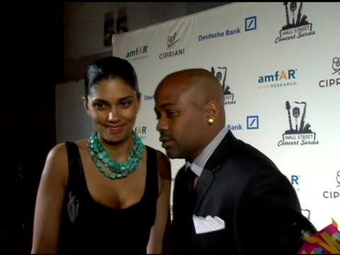damon dash on his support for anything positive, on his own organization, and his love for lionel richie music at the 2006 cipriani/deutsche bank... - ライオネル・リッチー点の映像素材/bロール