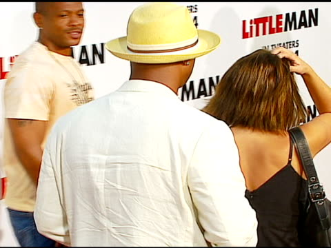 damon wayans at the 'little man' premiere at the mann national theatre in westwood california on july 6 2006 - mann national theater stock videos & royalty-free footage