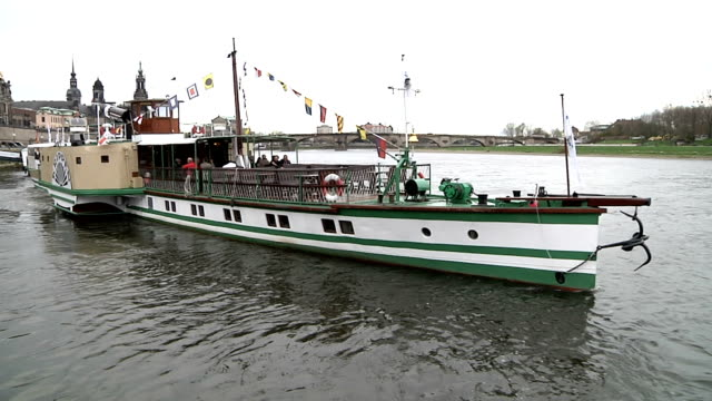 dampfschiffahrt on the river elbe (germany) - river elbe stock videos & royalty-free footage