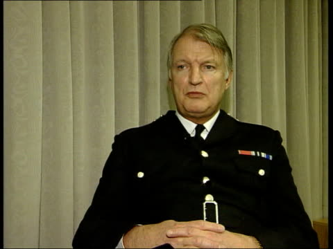 dan crompton interviewed sot if community race relations doesn't lie at the heart of policing what does - itv london lunchtime news stock-videos und b-roll-filmmaterial