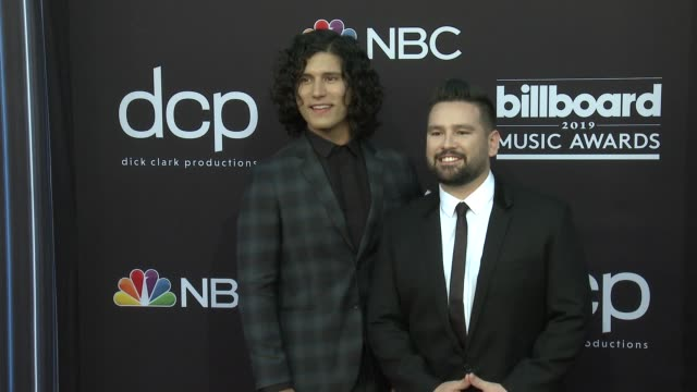 vidéos et rushes de dan smyers and shay mooney at the 2019 billboard music awards at mgm grand garden arena on may 1 2019 in las vegas nevada - billboard music awards