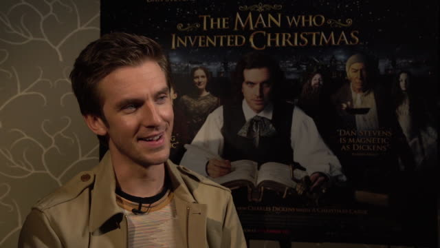 dan stevens on dressing up as charles dickens, how charles dickens had to reach a deadline and how this book saved his career at 'the man who... - charles dickens bildbanksvideor och videomaterial från bakom kulisserna