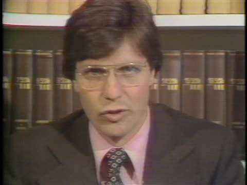 stockvideo's en b-roll-footage met dan white's lawyer douglas schmidt discusses the affect the verdict of manslaughter had on san francisco. - oordeel juridische procedure
