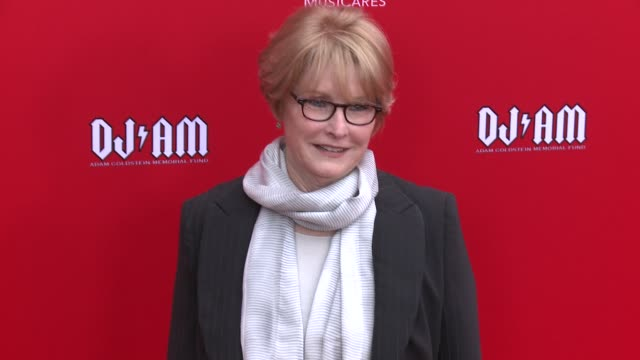 dana tomarken at the 12th annual musicares map fun benefit concert honoring smokey robinson at the novo by microsoft on may 19 2016 in los angeles... - smokey robinson stock-videos und b-roll-filmmaterial