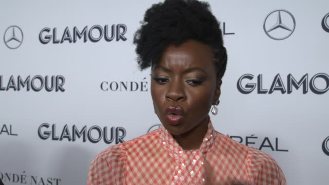 danai gurira talks about the significance of tory burch's work and the significance it plays in the women's movement at the 2019 glamour women of the... - インタビュー素材点の映像素材/bロール