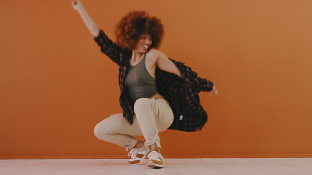i dance because it's a way of expressing myself - natural hair stock videos & royalty-free footage