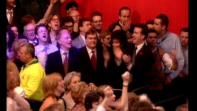 stockvideo's en b-roll-footage met big dance 2010 event launched tx england london partying crowd including peter mandelson neil kinnock and john prescott mp celebrating labour... - labor partij