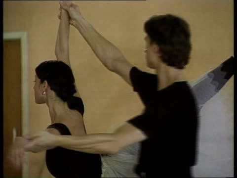 bolshoi ballet visit int ms lunkina dancing with male partner pull out ltn - bolshoi ballet company stock videos and b-roll footage
