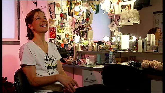 darcey bussell to retire from ballet darcey bussell interview sot on how she will feel after her final performance / i don't want to think about it /... - darcey bussell bildbanksvideor och videomaterial från bakom kulisserna