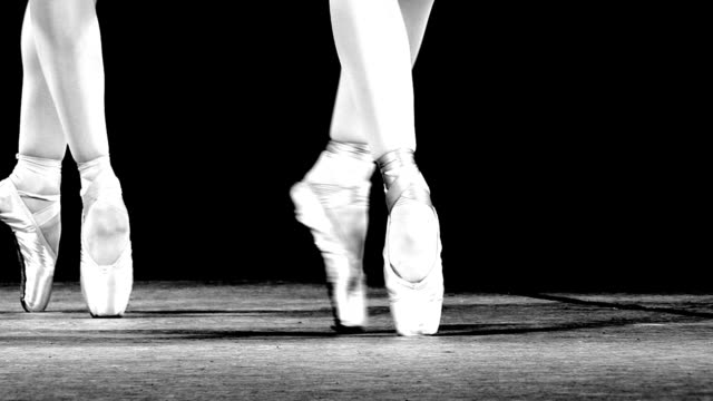 dance on pointe