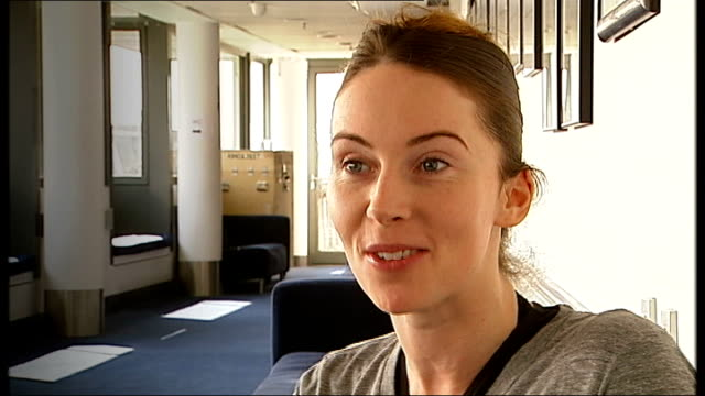 royal ballet prepares for 'behind the scenes' youtube broadcast; kristen mcnally interview sot reporter to camera close shot of ballet dancer's feet... - soloist stock videos & royalty-free footage