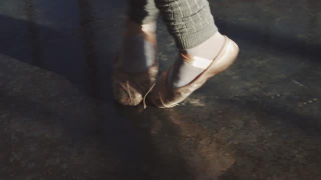 dancer balancing on tiptoe while spinning - tiptoe stock videos & royalty-free footage