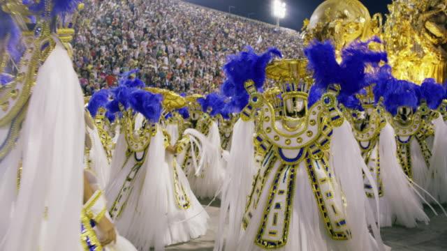 vídeos de stock, filmes e b-roll de ms dancers at rio carnival / rio de janeiro, brazil - desfiles e procissões