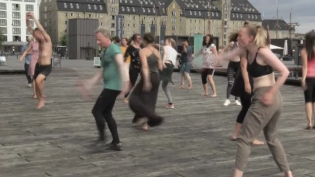 DNK: Danes gather to a dance by the harbour to improve wellbeing