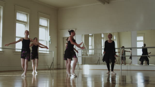 dancers in a dance studio with instructor - ballet dancer stock videos & royalty-free footage