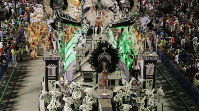 ls, tu, ha dancers on a float at carnival parade / rio de janeiro, brazil - リオデジャネイロ点の映像素材/bロール