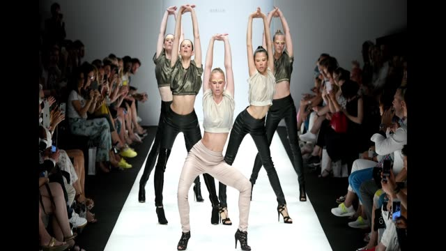 vídeos y material grabado en eventos de stock de dancers perform at the runway at the maisonnoee show during the berlin fashion week spring/summer 2019 at ewerk on july 3 2018 in berlin germany - formato de archivo gif