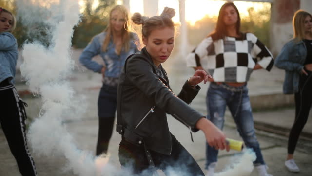 dancers with smoke bomb - performance group stock videos & royalty-free footage