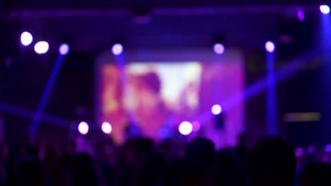 tanz im konzert - konzert stock-videos und b-roll-filmmaterial