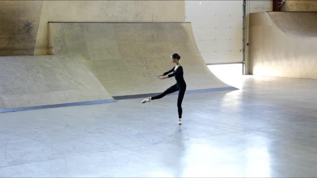 vídeos y material grabado en eventos de stock de baile ballerina - de puntas