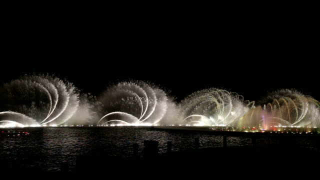 dancing fountain - chicago air and water show stock videos & royalty-free footage