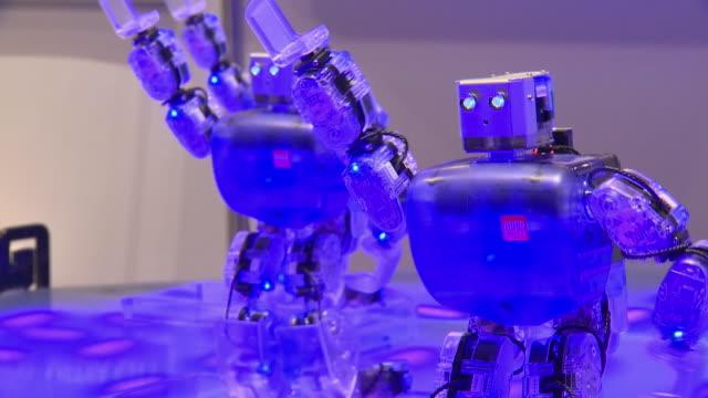 Dancing robots with fancy illumination