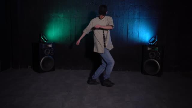 dancing together - attività acrobatica video stock e b–roll