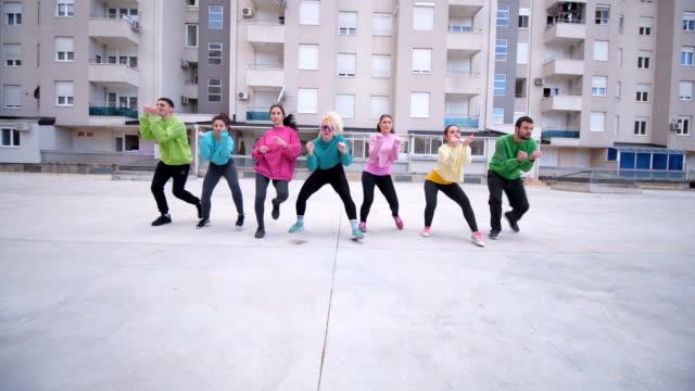 vídeos y material grabado en eventos de stock de bailar juntos  - equilibrio vida trabajo