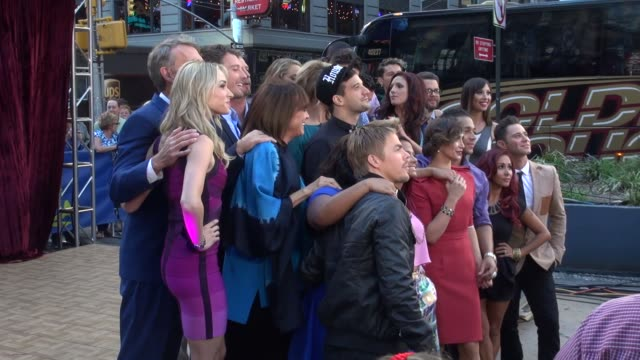 stockvideo's en b-roll-footage met dancing with the stars' contestants at the 'good morning america' studio in new york ny on 9/4/13 - spelkandidaat