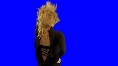 dancing woman - turning bildbanksvideor och videomaterial från bakom kulisserna