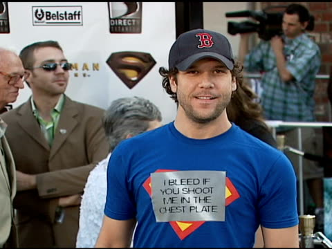 dane cook at the 'superman returns' premiere at the mann village theatre in westwood california on june 21 2006 - regency village theater stock videos & royalty-free footage