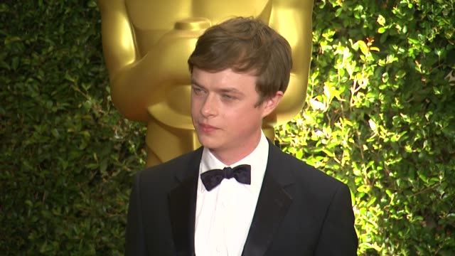 vídeos de stock, filmes e b-roll de dane dehaan at academy of motion picture arts and sciences' governors awards in hollywood, ca, on . - academy of motion picture arts and sciences