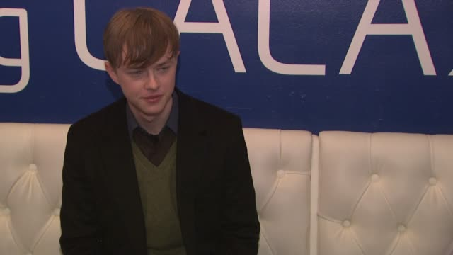 dane dehaan at celebrities visit the samsung galaxy lounge day 1 on 1/18/13 in park city utah - 1日目点の映像素材/bロール
