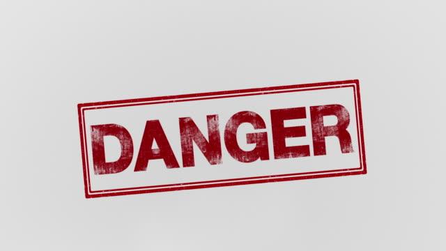 vídeos y material grabado en eventos de stock de peligro - signo de puntuación
