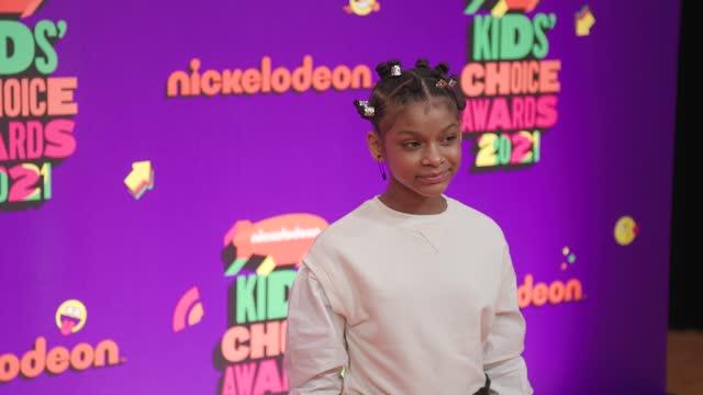 vídeos de stock e filmes b-roll de dani lockett at nickelodeon's kids' choice awards 2021 - arrivals on march 13, 2021. - nickelodeon