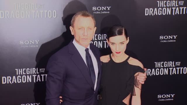 daniel craig and rooney mara at 'the girl with the dragon tattoo' new york premiere new york ny united states - the girl with the dragon tattoo stock videos and b-roll footage