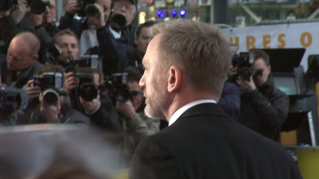 Daniel Craig at the The Adventures of Tintin UK Premiere at London England